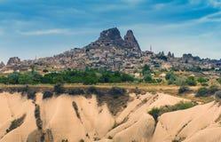 Ansicht der türkischen Festung Uchisar, Landschaft in Cappadocia, die Türkei lizenzfreies stockfoto