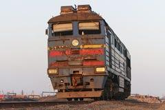 Ansicht der vorderen Lokomotive lizenzfreie stockbilder