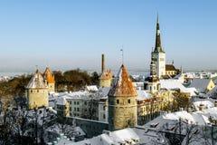Ansicht der Wälle und der Kathedrale von St. Olaf im alten Ta Stockfotografie