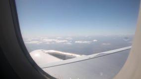 Ansicht der Wolken vom Flugzeug stock footage