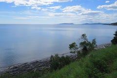 Ansicht des überlegenen Sees lizenzfreies stockbild