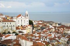 Ansicht des Alfama-Bezirkes von Lissabon Lizenzfreies Stockbild