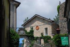 Ansicht des alten Dorfs von Compiano, Parma lizenzfreies stockfoto