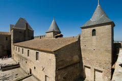 Ansicht des alten Gebäudes im Carcassonne-Chateau Lizenzfreie Stockfotos