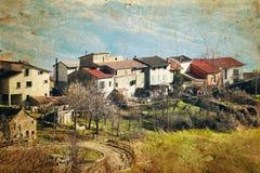 Ansicht des alten italienischen Dorfs in den Apennines-Bergen lizenzfreie stockbilder
