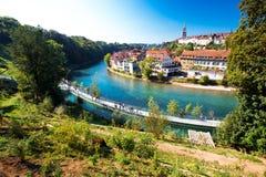 Ansicht des alten Stadtzentrums Berns mit Fluss Aare Bern ist Kapital von Stockfoto