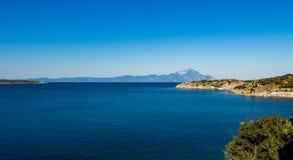 Ansicht des Athos-Berges Stockfotos