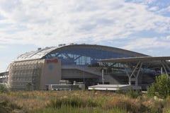 Ansicht des Bahnhof Olympiaparks von der Straße A-147, Sochi Stockbild