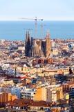 Ansicht des Baus Sagrada Familia und über das Meer von Häusern in Barcelona Juni 2013 1 6 Million Einwohner, Barcelona Stockbilder