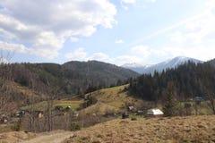 Ansicht des Berges Knall-Iwan stockfotografie