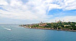 Ansicht des Bosporus und des Istanbuls stockbild