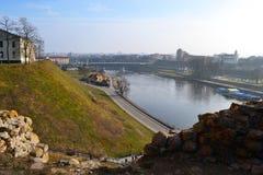 Ansicht des breiten Flusses Stockfotos