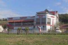 Ansicht des Cafés Lainer von Sochi-Flughafen, Adler, Krasnodar-Region, Russland Stockfotos