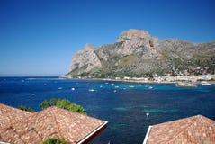 Ansicht des Capo Gallo und Barcarello lizenzfreies stockbild