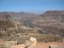 Ansicht des Colorados, der die Grand Canyon -Westkante in nordwestlichem Arizona durchfließt Stockbilder