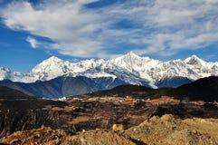 Ansicht des deqin Schneeberges, Yunnan-Porzellan Lizenzfreies Stockfoto