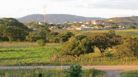 Ansicht des Dorfs bei Sonnenuntergang Stockbild