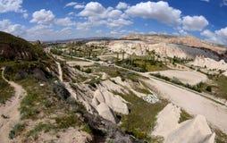 Ansicht des einzigartigen rosa Tales, vulkanische Landschaft, Cappadocia, die Türkei Lizenzfreie Stockfotos