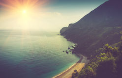 Ansicht des felsigen Küstenlinienmeeres Budva, Montenegro Adriatica Lizenzfreie Stockbilder