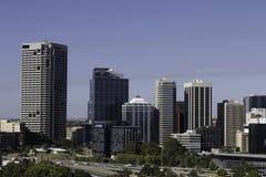 Ansicht des Finanzbereichs, der Büros und Handelsder gebäude und der Wolkenkratzer der Stadt von Perth Stockfotografie