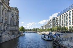 Ansicht des Fluss Gelages und des Dammes von Berlin Stockfotos