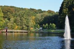 Ansicht des früher Freibads Uelfebad in Radevormwald, Deutschland stockbild
