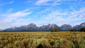 Ansicht des Gebirgszugs im großartigen Tetons Lizenzfreie Stockfotos