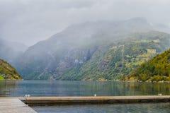 Ansicht des Geyranger-Fjords im Regen Lizenzfreies Stockbild