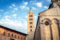 Ansicht des Glockenturms und der Kathedrale Lizenzfreies Stockbild