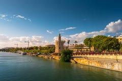 Ansicht des goldenen Turms, Torre Del Oro, von Sevilla, Andalusien, Spai Stockbild