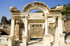 Ansicht des Hadrian-` s Tempels, alte Stadt Ephesus Stockbild