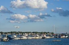 Ansicht des Hafens und des internationalen Flughafens Logans in Boston, USA Lizenzfreie Stockfotografie
