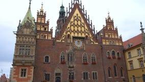 Ansicht des Hauptplatzes Rynek der Stadt Wroslaw stock footage