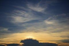 Ansicht des Himmels und der Wolke Lizenzfreie Stockfotos