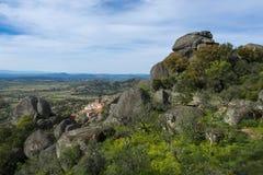 Ansicht des historischen Dorfs von Monsanto in Portugal Lizenzfreie Stockfotografie