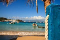 Ansicht des idyllischen kleinen Hafens von Guadalupe, karibisch stockfotografie