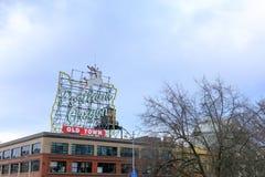 Ansicht des ikonenhaften weißen Hirsches, eine Marksteinleuchtreklame Portland oder Lizenzfreie Stockfotografie
