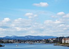 Ansicht des inneren Hafens an einem sonnigen Tag Lizenzfreies Stockfoto