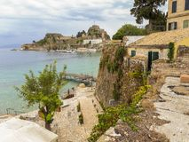 Ansicht des ionischen Meeres von den Stadtmauern von Korfu oder von Kerkyra G lizenzfreie stockfotografie