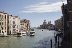 Ansicht des Kanals groß von Accademia-Brücke Stockbilder