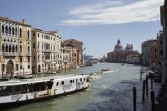 Ansicht des Kanals groß von Accademia-Brücke Stockfotografie