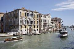 Ansicht des Kanals groß von Accademia-Brücke Stockbild