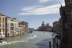 Ansicht des Kanals groß von Accademia-Brücke Lizenzfreie Stockfotografie