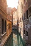 Ansicht des Kanals in Venedig, Italien Venedig ist ein populärer touristischer Bestimmungsort von Europa Lizenzfreie Stockfotos