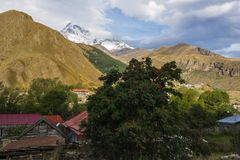 Ansicht des kazbeg Berges Stockbild