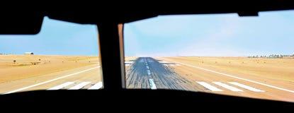 Ansicht des Landungstreifens vom Führerraum Stockfotos