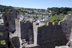 Ansicht des Laugharne Dorfs vom Schloss Stockfotografie
