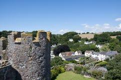 Ansicht des Laugharne Dorfs vom Schloss Stockbild