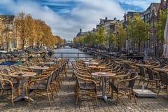 Ansicht des leeren Cafés im Freien Stockbild