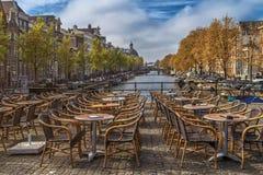 Ansicht des leeren Cafés im Freien Lizenzfreie Stockfotos